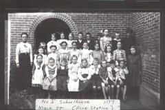 No.-1-School-House-pupils and teacher Mrs. Ida Sprague (Mrs. Frank Strong).